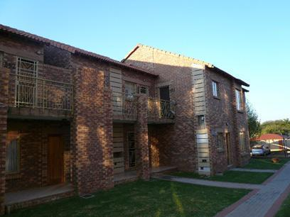 Standard Bank Repossessed 3 Bedroom Simplex for Sale on online auction in Karenpark - MR05494