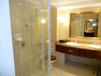 Main Bathroom - 9 square meters of property in Pennington