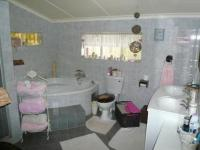 Main Bathroom - 12 square meters of property in Waverley