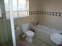 Main Bathroom - 6 square meters of property in Magalieskruin