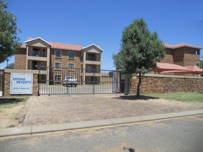 Standard Bank Repossessed 2 Bedroom Apartment for Sale on online auction in Rensburg - MR05520