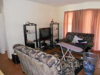Lounges - 14 square meters of property in Rensburg