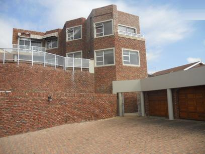 Standard Bank Repossessed 6 Bedroom House for Sale on online auction in Bluewater Bay - MR055252