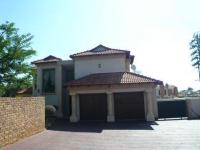 4 Bedroom 3 Bathroom in Raslouw