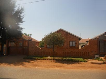 Standard Bank Repossessed 3 Bedroom House for Sale For Sale in Soshanguve - MR056327