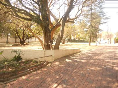 Standard Bank EasySell 6 Bedroom House For Sale in Bryanston - MR056353