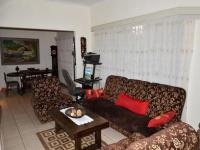 Lounges - 22 square meters of property in Queenswood