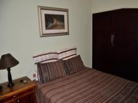 Bed Room 1 - 14 square meters of property in Queenswood