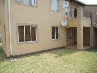 Standard Bank Repossessed 2 Bedroom Sectional Title for Sale on online auction in Ormonde - MR056890
