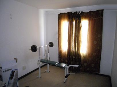 Bed Room 1 - 10 square meters of property in Ormonde