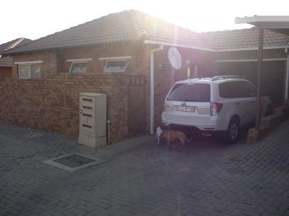 Standard Bank EasySell 2 Bedroom Sectional Title for Sale For Sale in Wilgeheuwel  - MR057014