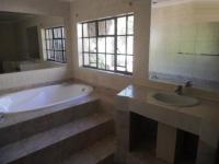 Main Bathroom - 13 square meters of property in Douglasdale