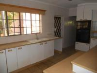 Kitchen - 26 square meters of property in Douglasdale