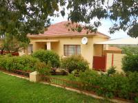 4 Bedroom 2 Bathroom in Uitenhage