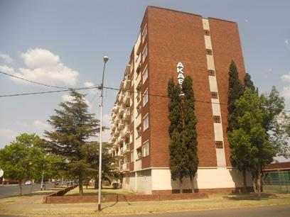 Standard Bank EasySell 2 Bedroom Sectional Title for Sale For Sale in Vereeniging - MR058009