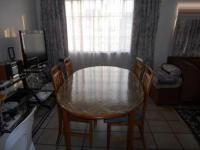 Dining Room - 18 square meters of property in Crown Gardens
