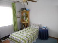 Bed Room 2 - 15 square meters of property in Crown Gardens