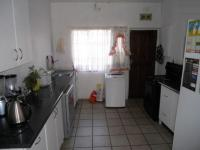 Kitchen - 16 square meters of property in Crown Gardens