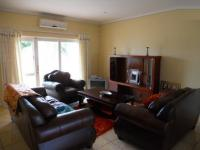 Lounges - 23 square meters of property in Umhlanga