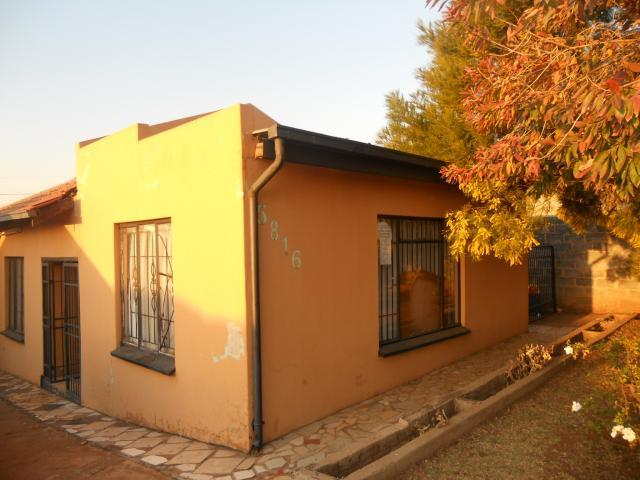 Standard Bank Repossessed 3 Bedroom House For Sale in Ennerdale - MR058407