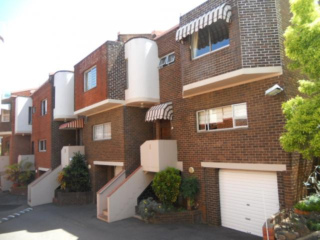 Standard Bank EasySell 3 Bedroom Apartment For Sale in Durban Central - MR058842