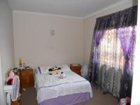 Bed Room 1 - 15 square meters of property in Durban Central