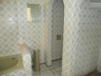 Bathroom 1 - 7 square meters of property in De Deur Estates