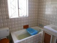 Bathroom 2 - 6 square meters of property in De Deur Estates