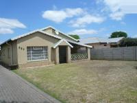 3 Bedroom 1 Bathroom in Rietfontein