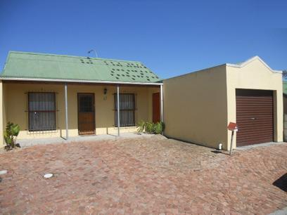 Standard Bank EasySell 2 Bedroom House For Sale in Kuils River - MR059284