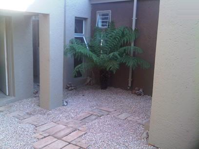 4 Bedroom Cluster For Sale in Zwartkop - Home Sell - MR059729