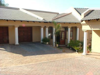 Standard Bank EasySell 3 Bedroom House for Sale For Sale in Constantia Glen - MR059737