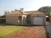 3 Bedroom 2 Bathroom Simplex for Sale and to Rent for sale in Willow Park Manor