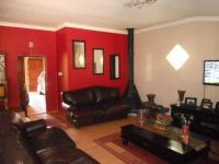 Lounges - 112 square meters of property in Alan Manor