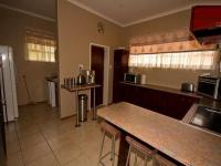 Kitchen - 33 square meters of property in Clubview