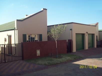 3 Bedroom Cluster for Sale For Sale in Midrand - Home Sell - MR060226