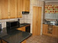 Kitchen of property in Rooihuiskraal