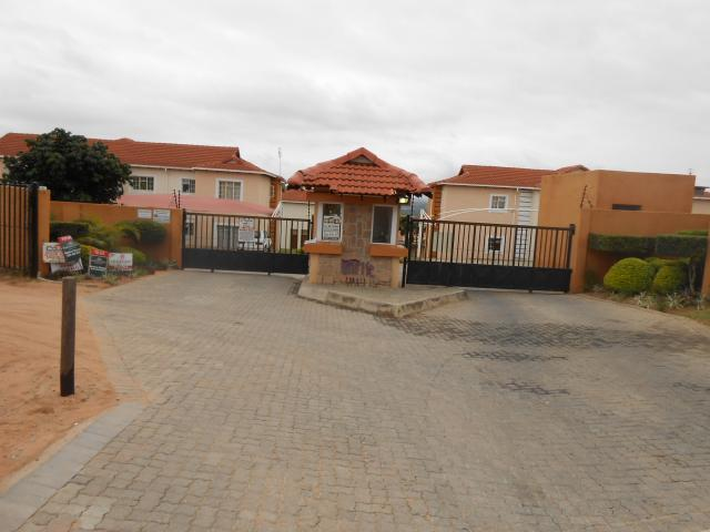 Standard Bank EasySell 2 Bedroom Sectional Title for Sale For Sale in Nelspruit Central - MR060268
