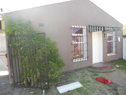 2 Bedroom House for Sale For Sale in Mitchells Plain - Private Sale - MR060472