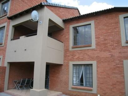 3 Bedroom Simplex for Sale For Sale in Die Hoewes - Home Sell - MR06056
