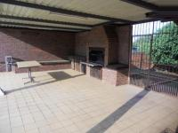 Patio - 114 square meters of property in Wingate Park