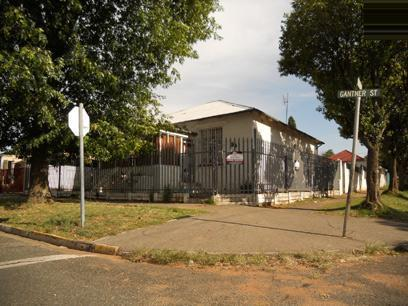 Standard Bank EasySell 3 Bedroom House for Sale For Sale in Forest Hill - JHB - MR060671
