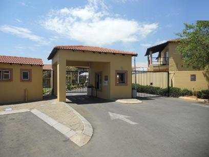 Standard Bank EasySell 2 Bedroom Sectional Title for Sale For Sale in Sundowner - MR060766