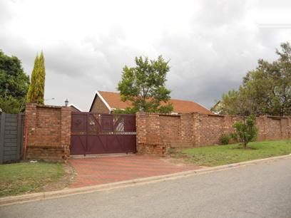 Standard Bank EasySell 3 Bedroom House For Sale in Norkem park - MR060911