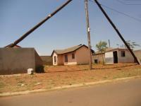 3 Bedroom 2 Bathroom in Protea Glen