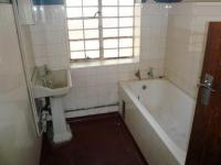 Main Bathroom - 6 square meters of property in Arcadia