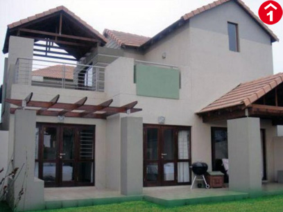 2 Bedroom Cluster to Rent To Rent in Fourways Gardens - Private Rental - MR061444