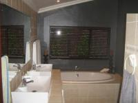 Bathroom 1 - 13 square meters of property in Southport