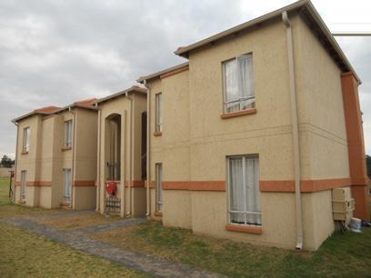 2 Bedroom Apartment for Sale For Sale in Ormonde - Home Sell - MR061546
