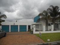 3 Bedroom 2 Bathroom in Durbanville